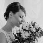 Złoto, biel izieleń, czyli sesja ślubna wstylu glamour
